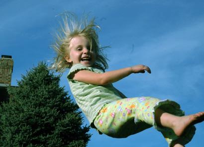 Lily trampoline sm